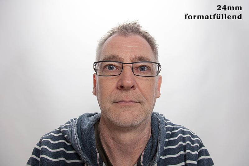 Porträtbrennweite - Porträt mit 24mm Objektiv - ganz nah © Jochen Kohl