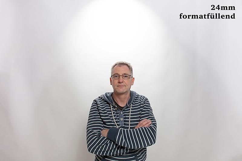 Porträtbrennweite - Porträt mit 24mm Objektiv © Jochen Kohl