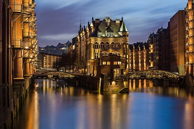 Langzeitbelichtung in der Speicherstadt, © ZOLAQ