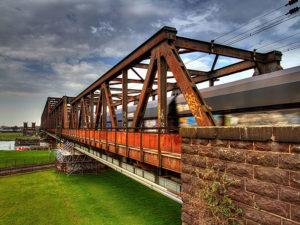 Eisenbahnbrücke Duisburg Hochfeld, © Fotogruppe Duisburg
