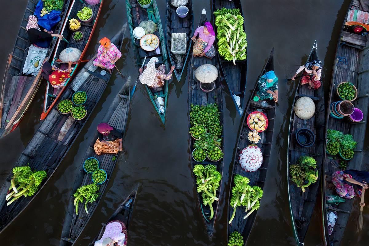 """Platz 1: """"Floating Market"""" von Sina Falker aus Essen"""
