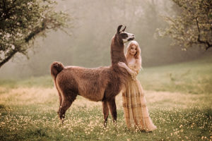 Zauberhafte Momente zwischen Mensch und Tier, © Nina Wild