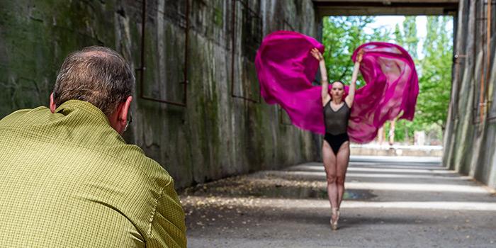 Sascha Hüttenhain: Ballettfotografie - Tanz in die Dunkelheit